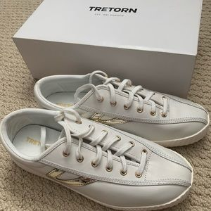 New Tretorn leather white sneakers size 10